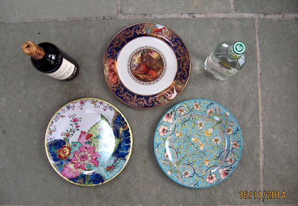 Gift Wrapped Set of 6 Decorative Tin Plates (ToDaAn)
