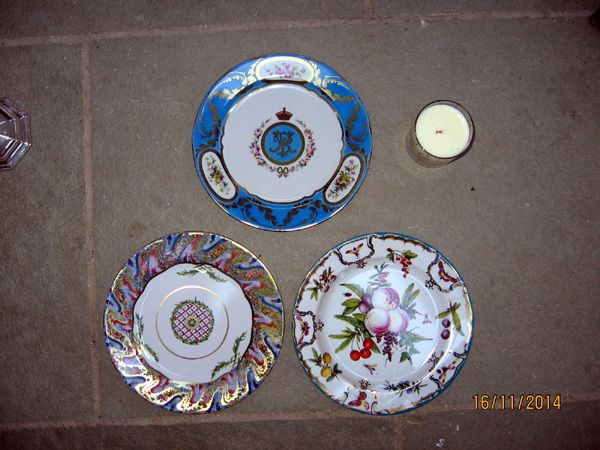 Gift Wrapped Set of 6 Decorative Tin Plates - (DgViHb)
